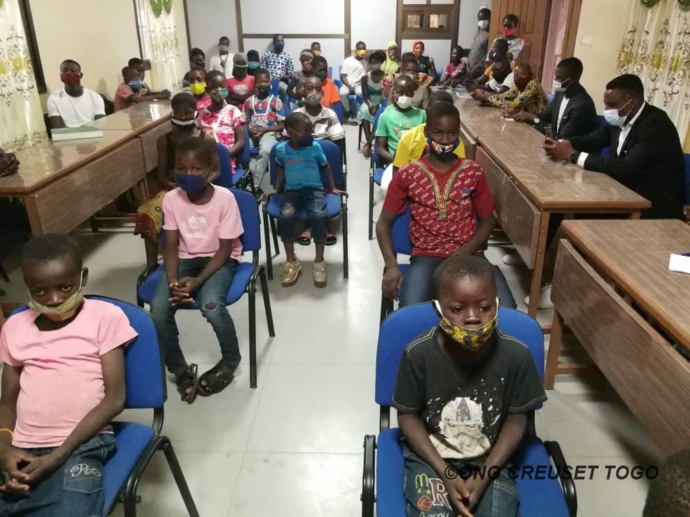 Visite de la Ministre de l'Action Sociale au siège de l'ONG CREUSET TOGO à Sokodé