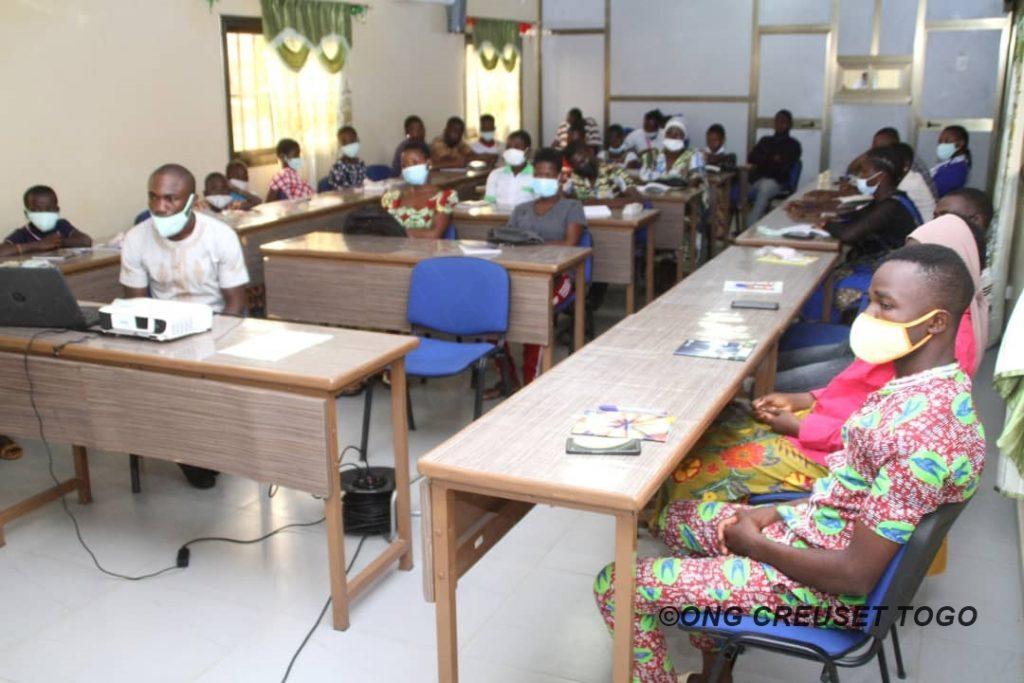 La jeunesse  chrétienne de la préfecture de Tchaoudjo se mobilise pour l'accompagnement des enfants et jeunes en situation difficile.